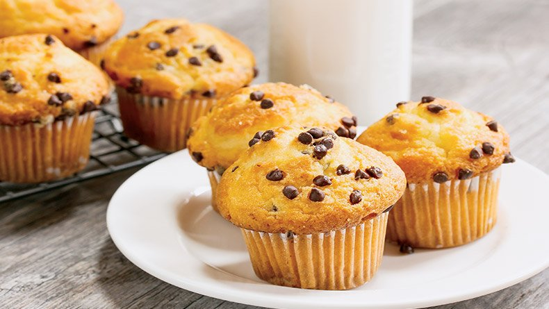 Muffins πορτοκαλιού με κομματάκια σοκολάτας