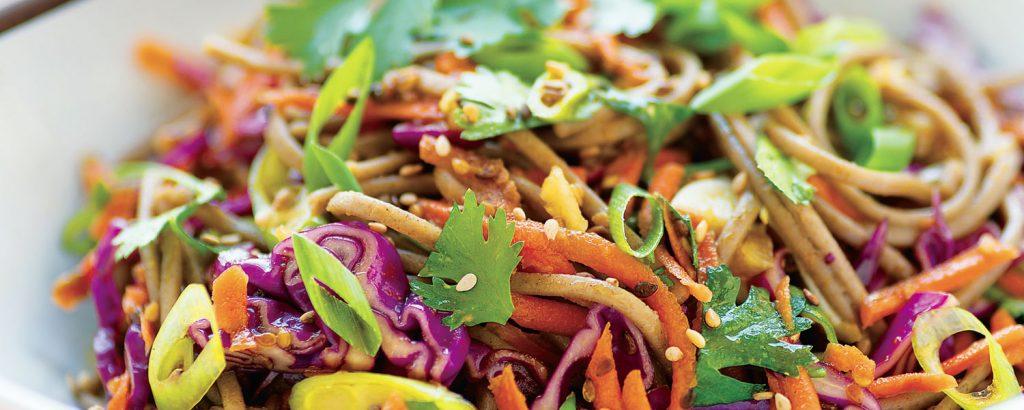 Soba noodles με λαχανικά