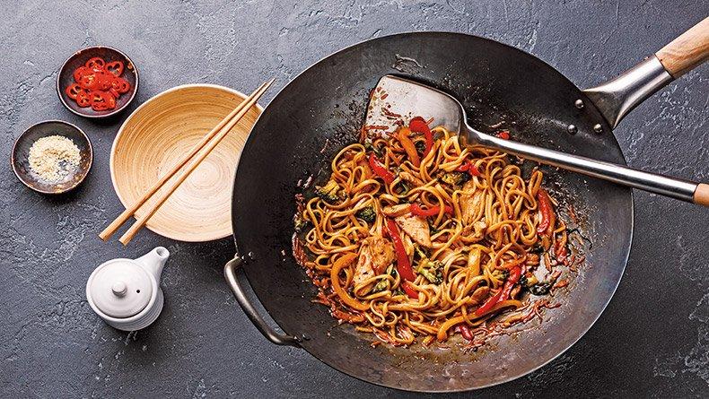 Nουντλς με κοτόπουλο Chow Mein