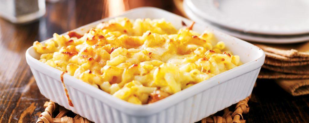Μακαρόνια γκρατέν με προσούτο και τυρί