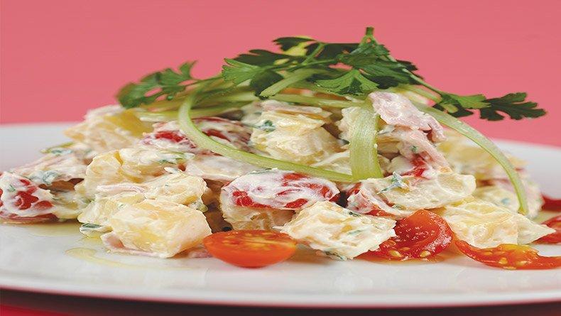 Πατατοσαλάτα με ζαμπόν και τυρί