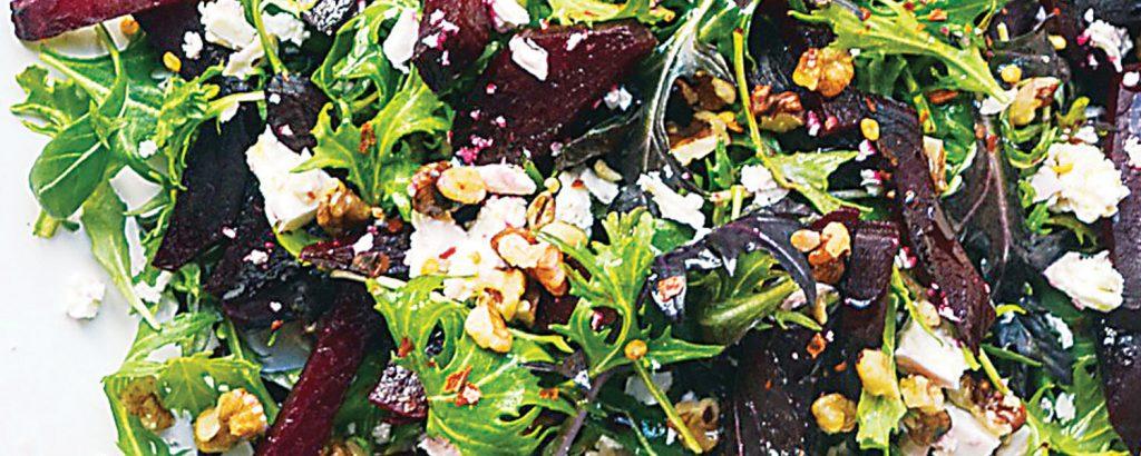 Παντζαροσαλάτα με φέτα και καρύδι