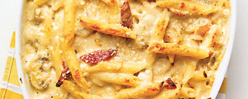 Πένες στο φούρνο με κοτόπουλο και τυρί