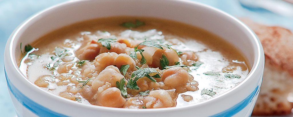 Σούπα ρεβίθια με ζυμαρικά