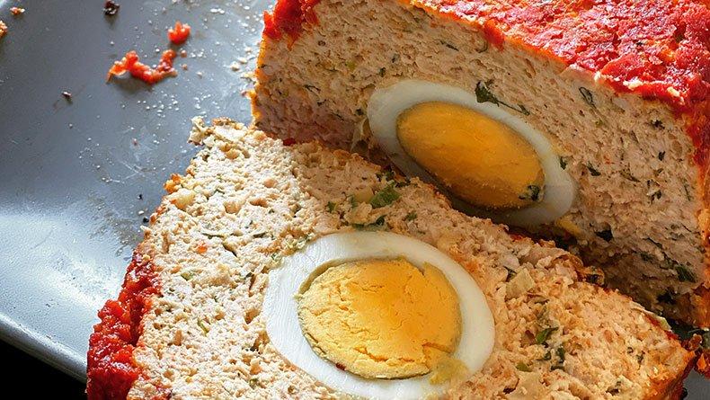 Ρολό κοτόπουλο με αυγά