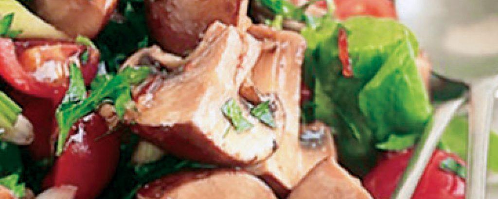 Σαλάτα με πικάντικα μανιτάρια μαρινάτα