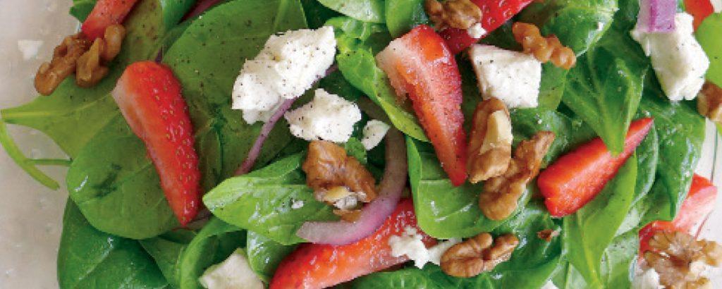 Σαλάτα με φράουλες και κατσικίσιο τυρί
