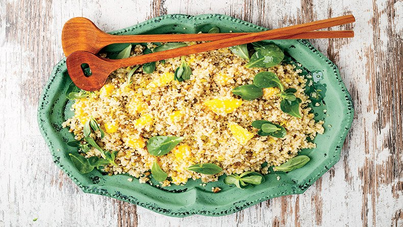 Σαλάτα με κινόα και μάνγκο
