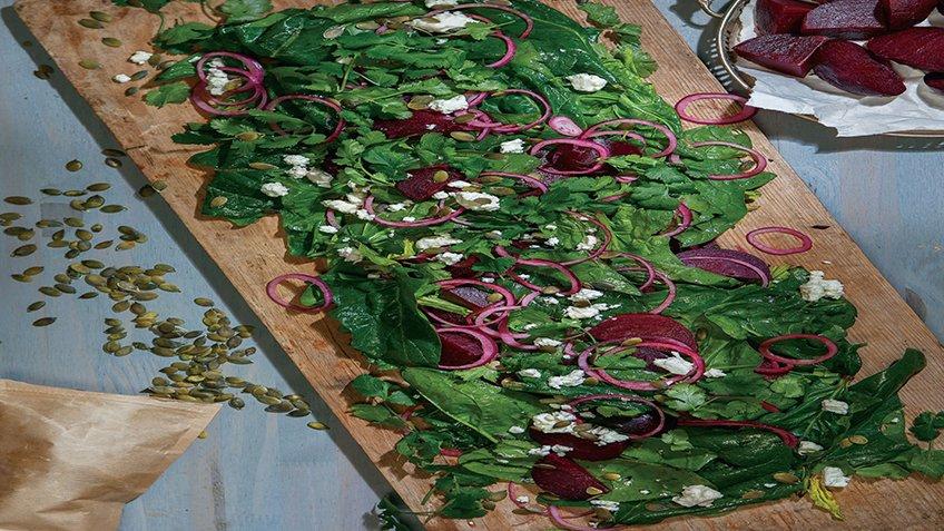 Σαλάτα με ψητά παντζάρια και σπανάκι