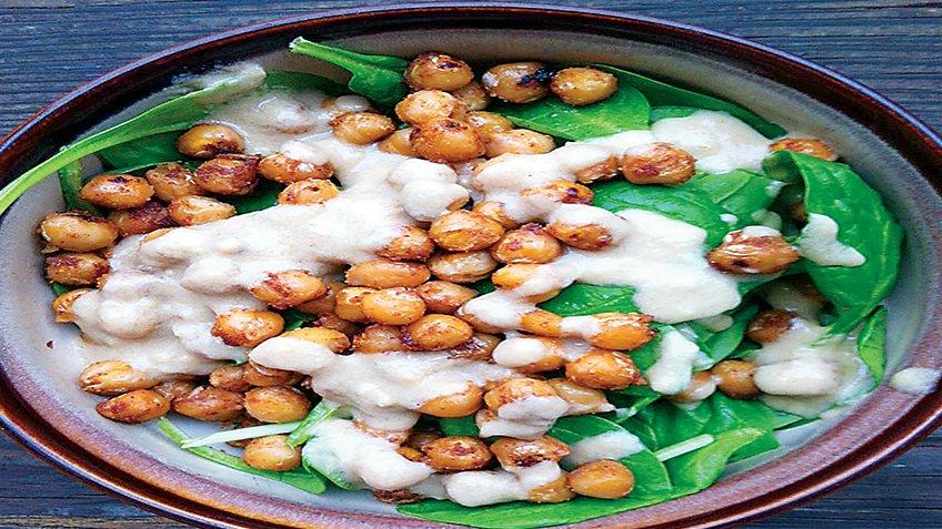 Σαλάτα με ρεβίθια και σπανάκι