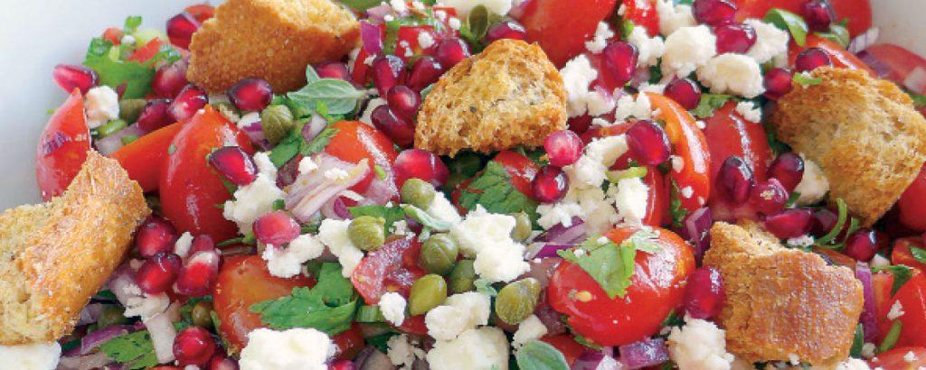 Σαλάτα με ντοματίνια και σπιτικά κρουτόν