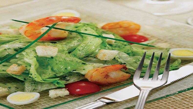 Σαλάτα του Καίσαρα με γαρίδες