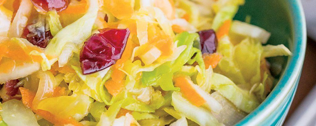 Χειµερινή σαλάτα µαρινάτη µε λάχανο και καρότο