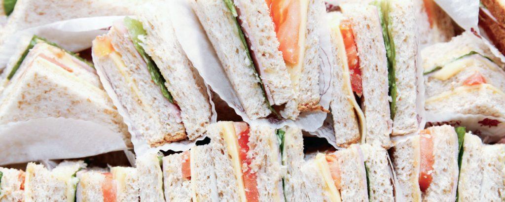 Μικρά κλαµπ-σάντουιτς