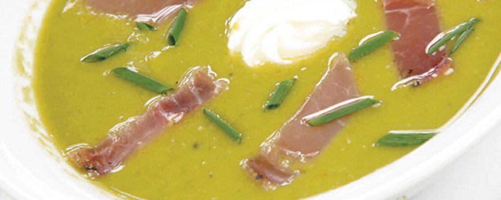 Κρύα σούπα με αρακά και προσούτο