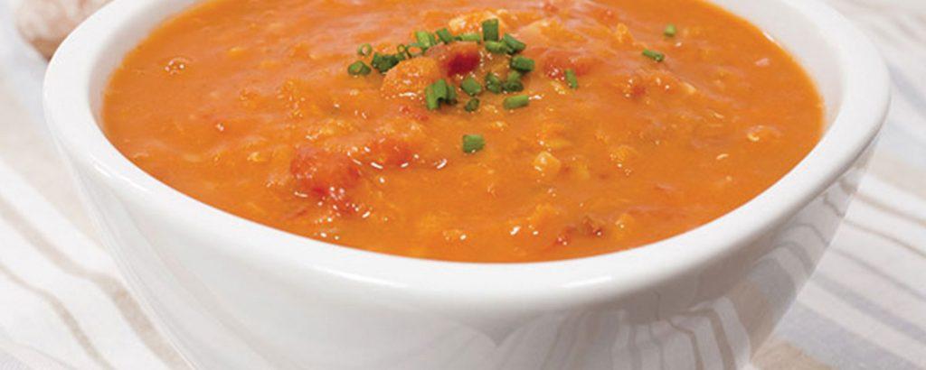 Σούπα λουβάνα με ντομάτα