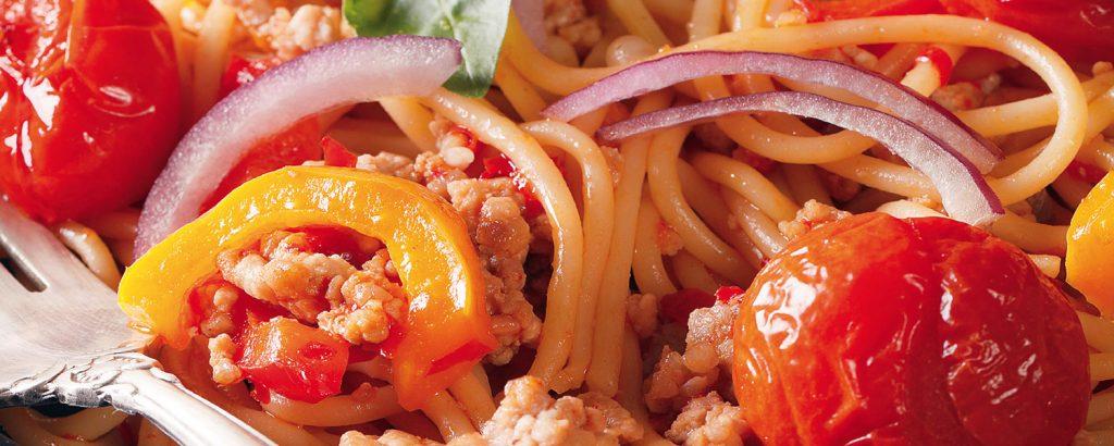 Σπαγετίνι με κιμά και πιπεριές