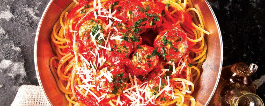 Σπαγέτι με πικάντικα κεφτεδάκια