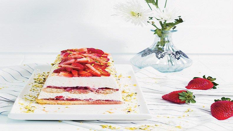 Τιραμισού με φράουλες και λικέρ baileys