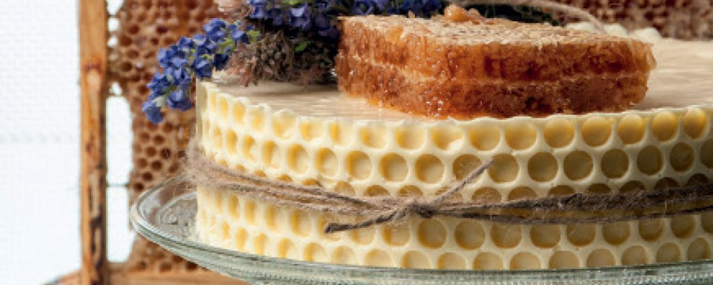 Τούρτα σαμπάνιας με μέλι και κερήθρα