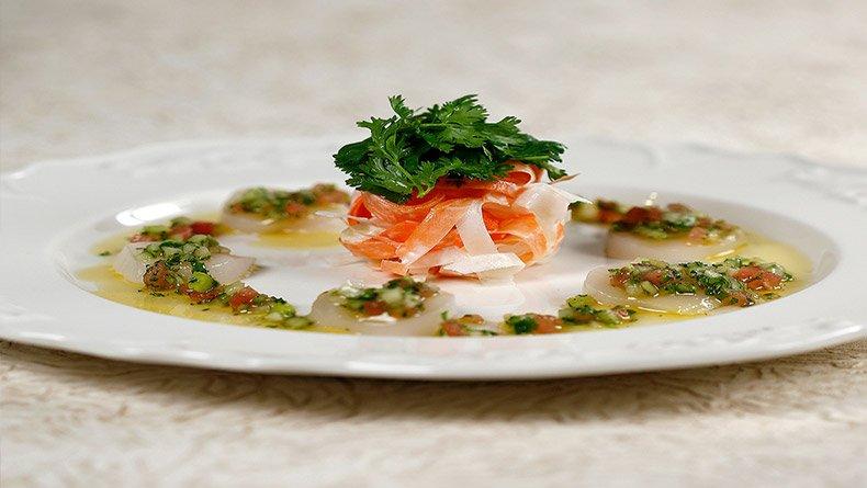 Χτένια καρπάτσο με χειμερινή σαλάτα